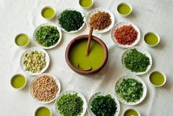 """揭阳的客家人素有煮擂茶的习俗,分为""""净茶"""",""""菜茶"""",""""饭茶"""",""""米骨茶"""""""